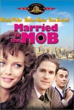 Постер Замужем за мафией, Married to the Mob