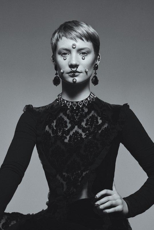 Миа Васиковска для Blaunt Magazine (ФОТО)