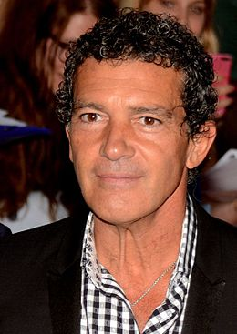 Известного актера Антонио Бандераса экстренно госпитализировали