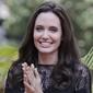 Анджелина Джоли увезла детей в Камбоджу (ФОТО)
