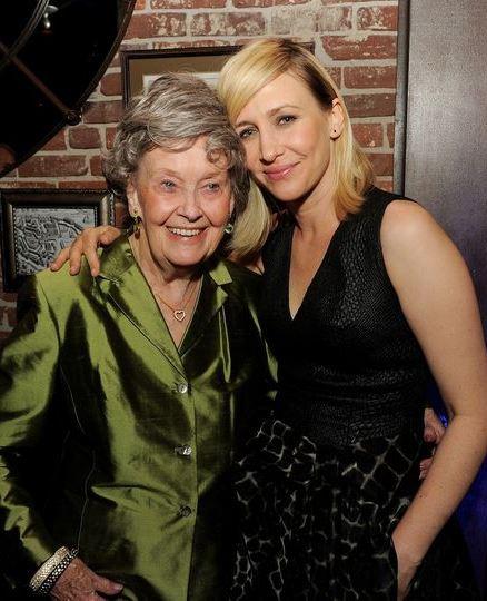 На 92 році життя померла зірка франшизи