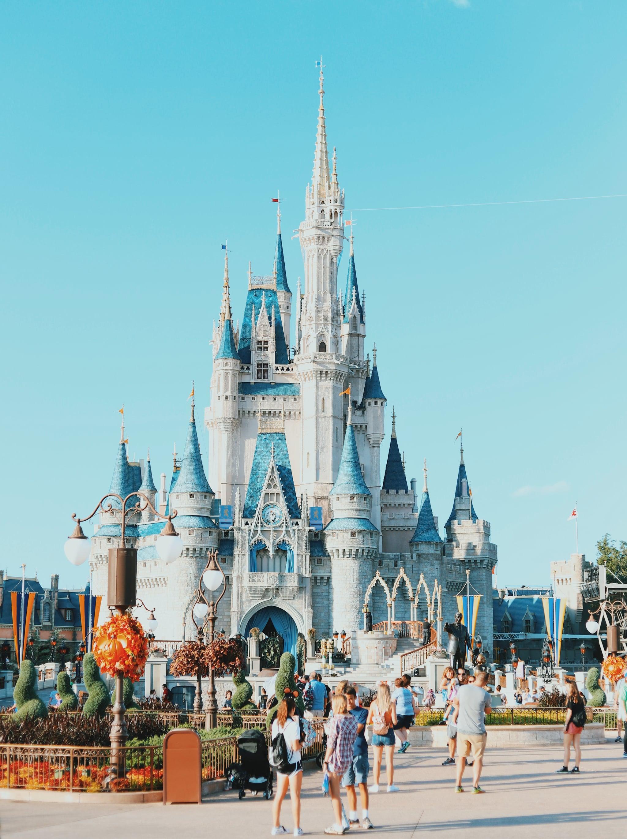 Компания Disney заработала за год 10 миллиардов долларов