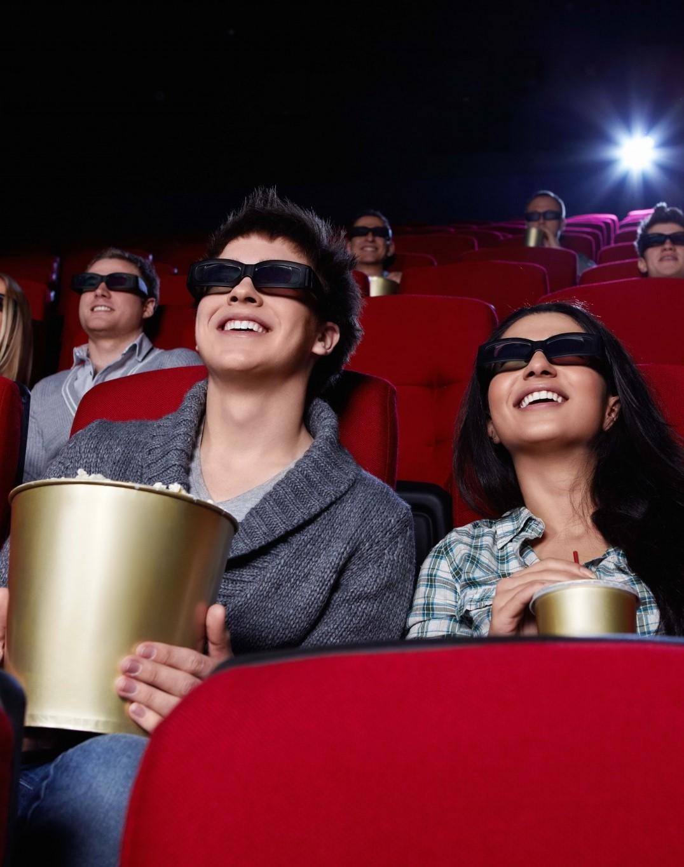 В Китаї знову почали закривати кінотеатри